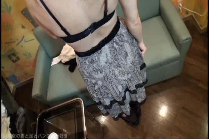 五十代の熟女妻がロングブーツを穿いたままセックスしてる個人撮影映像